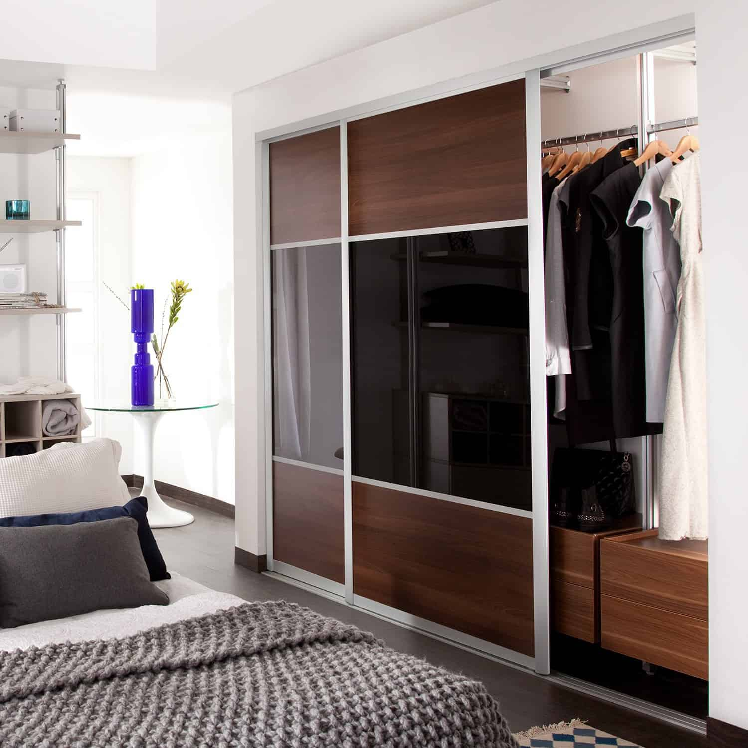 Sliding Doors Of Bedroom: Sliding Doors And Fitted Wardrobes
